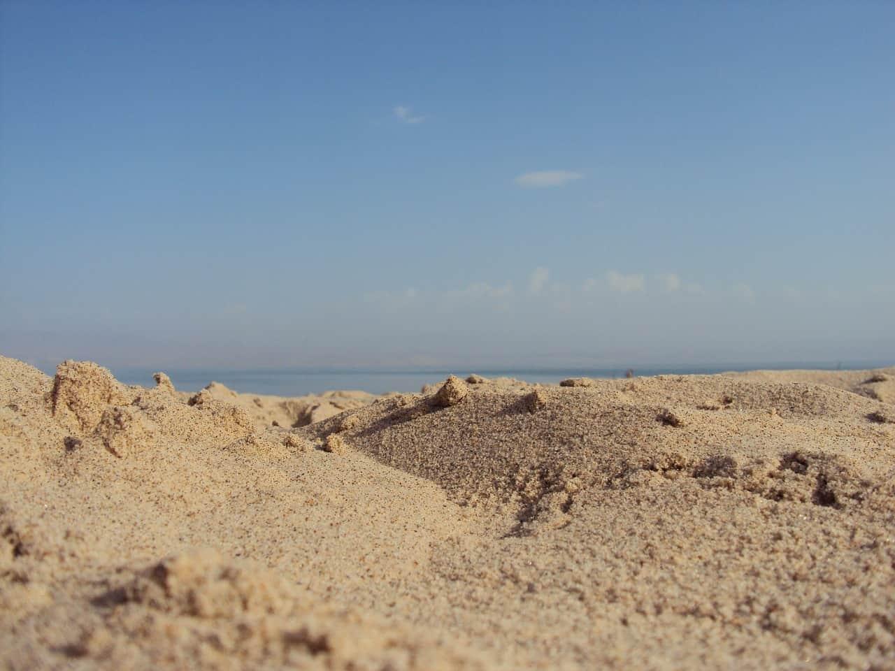 חול וים