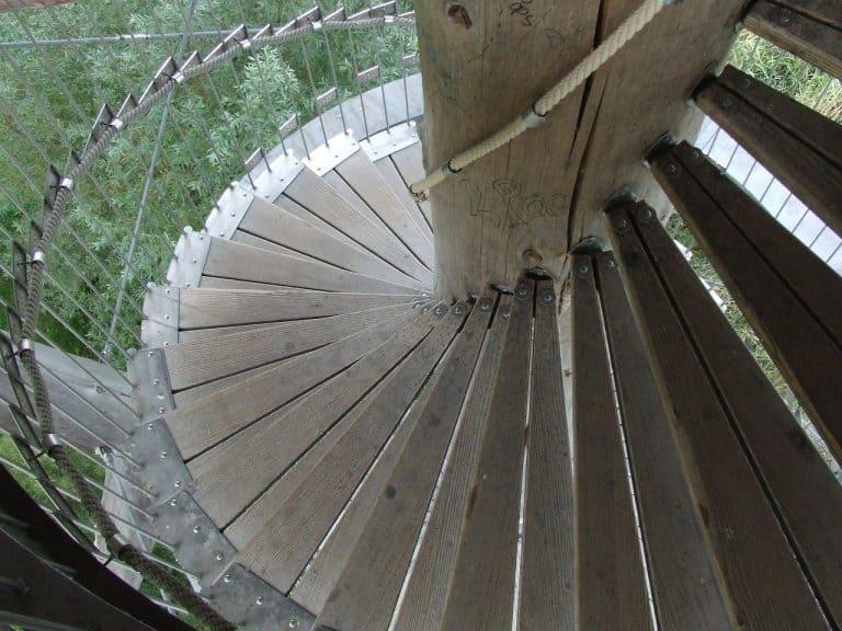 מדרגות בסיבוב